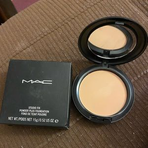 MAC studio fix powder plus foundation NC35 bnib